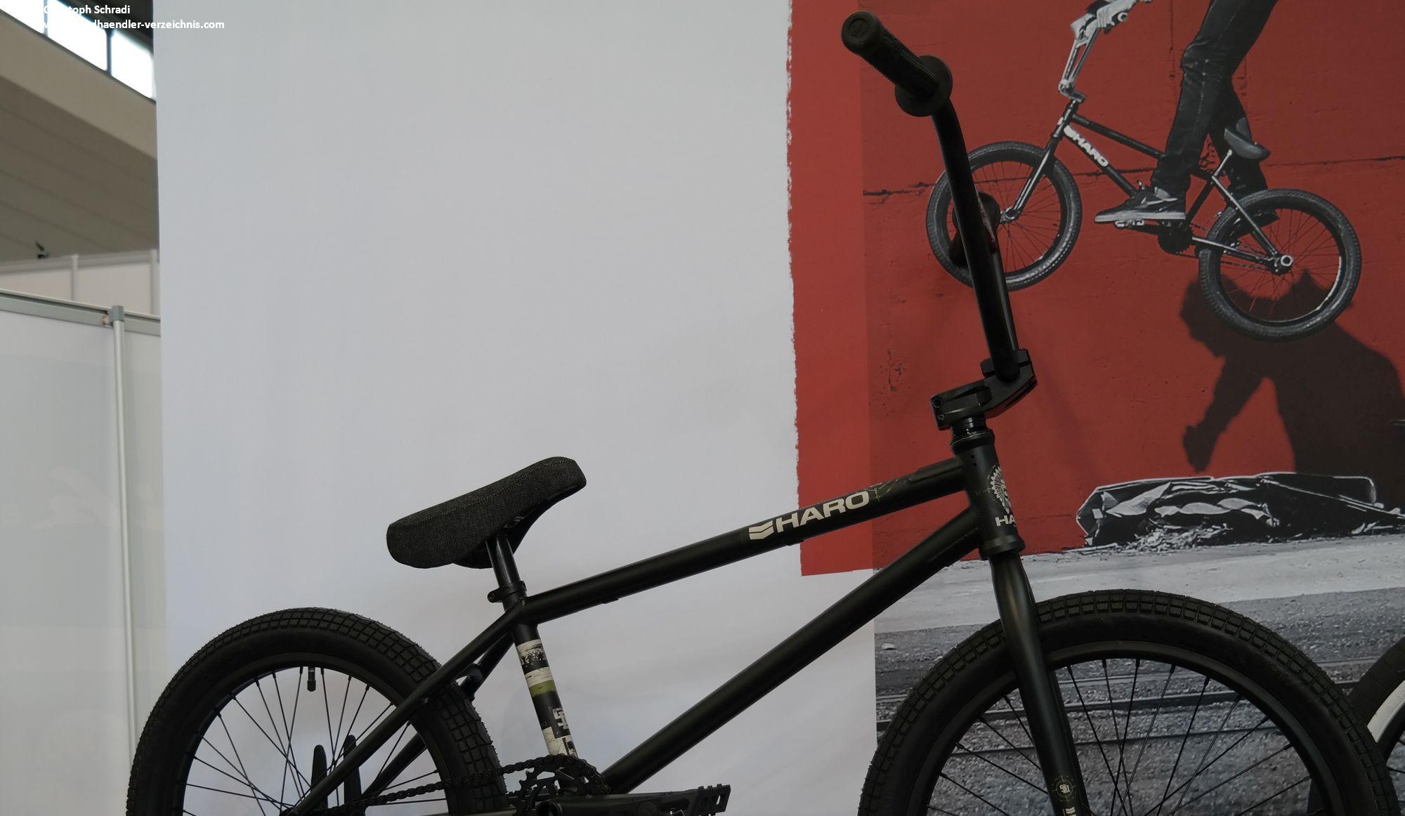 BMX Sport - Tricks und Stuns auf kleinen Rädern