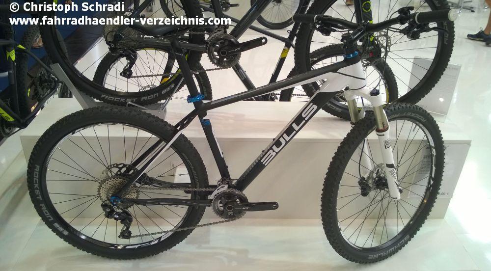 Rad mit typischer Cross-Country Ausstattung - hier vom ZEG Hersteller Bulls